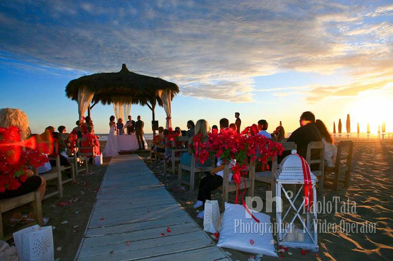 Matrimonio Spiaggia Roma : Matrimonio spiaggia fotografo roma paolo tata reportage
